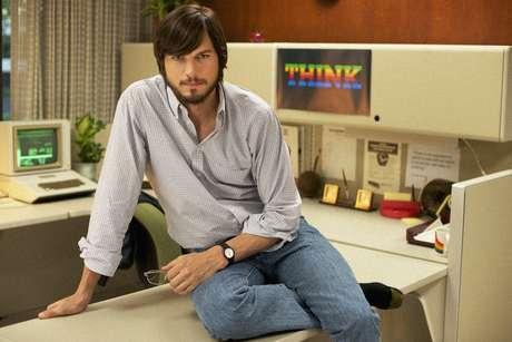 O ator de 35 anos na pele do fundador da Apple, Steve Jobs; longa estreia no Brasil em novembro