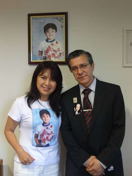 A deputada federal Keiko Ota e o presidente da associação dos familiares de vítimas da Boate Kiss, Adherbal Ferreira