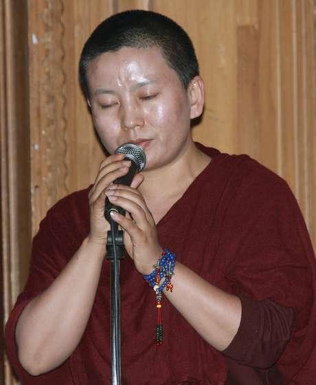 A freira budista Ani Choying Drolma já lançou 12 álbuns desde 1998