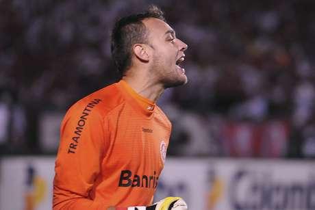 <p>Arqueio foi revelado pelo Inter e teve que lidar com idolatrias em diversos clubes</p>