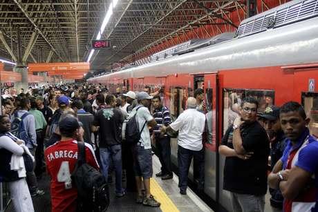 Interrupção na circulação causou princípio de tumulto na estação Corinthians-Itaquera