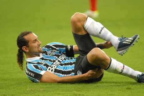<p>Apesar de vitória, Barcos voltou a fazer partida ruim com a camisa gremista</p>