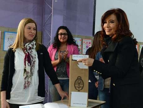 Cristina Fernández votó poco nates del mediodía en Río Gallegos, Santa Cruz