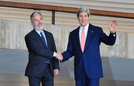 Pouco antes da visita de Kerry ao Brasil, uma comitivatécnica brasileira foi aos Estados Unidos para ouvir explicações de técnicos americanos sobre espionagem