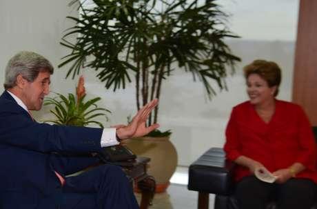 <p>Dilma recebe Kerry no Palácio do Planalto</p>