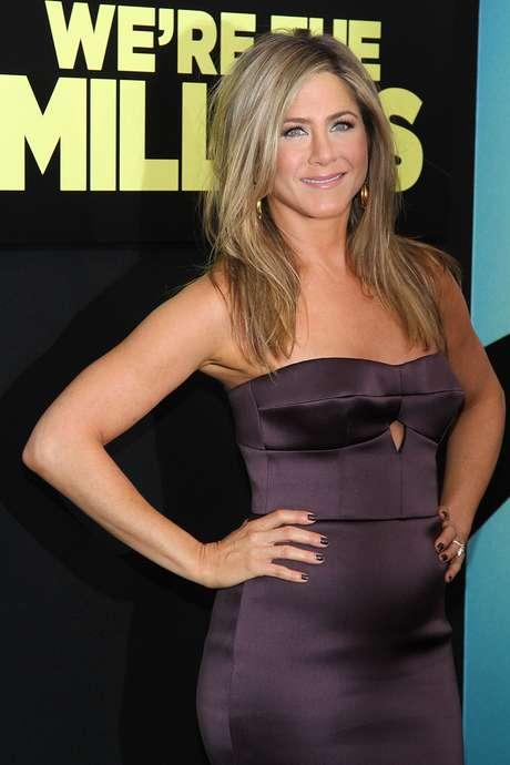 Vestido escolhido pela atriz marcou a barriga e levantou rumores sobre uma possível gravidez