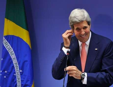 Em visita ao Brasil, secretário de Estado dos Estados Unidos, John Kerry, concede entrevista