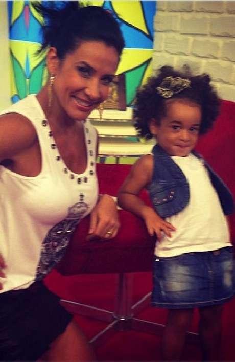 <p>Scheila Carvalho e Tony Salles são pais de Giulia, de 3 anos</p>