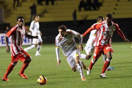 <p>Treinador não resistiu a péssimo desempenho do time em Santa Catarina</p>