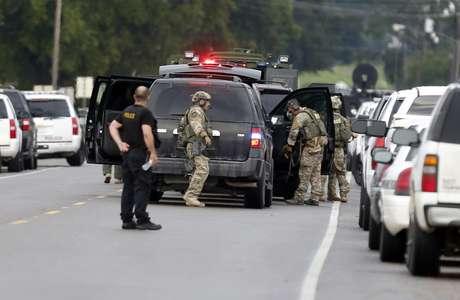 Polícia cerca o local desde o início da tarde