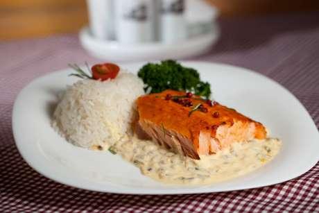 <p>Com receita de salmão assado com pimenta rosa, o vencedor foi o restaurante Pizza Grill, na Vila Mariana</p>