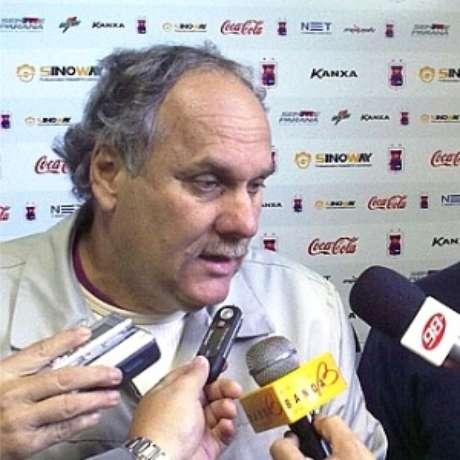 """Paulo Cesar Silva, vice-presidente do clube, lamentou: """"se torcida não vier ao estádio, não subimos"""""""
