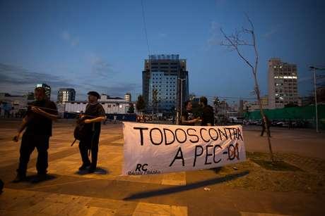 Manifestantes protestam contra projeto de lei apresentado na Assembleia Legislativa de São Paulo