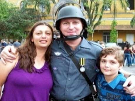 Segundo polícia, menino de 13 anos teria assassinado pai, mão, tia e avó
