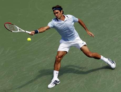 Federer se estica para vencer Haas em Cincinatti