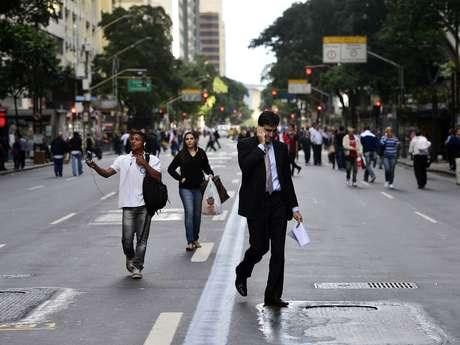 Via ficou fechada por quase cinco horas em função dos manifestantes que protestam contra o andamento da CPI dos Ônibus