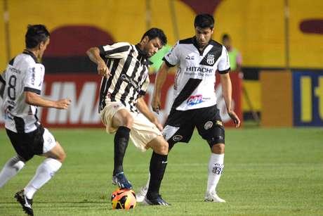 <p>Equipe baiana conseguiu virar partida em &uacute;ltimo jogo de Gabriel Paulista pelo Vit&oacute;ria</p>