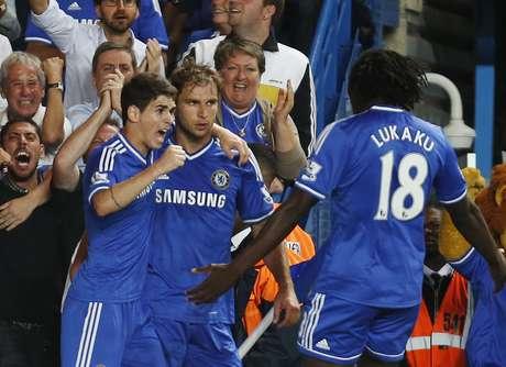 <p>Companheiro de Oscar no Chelsea, Ivanovic é um dos pontos de equilíbrio da defesa da Sérvia</p>
