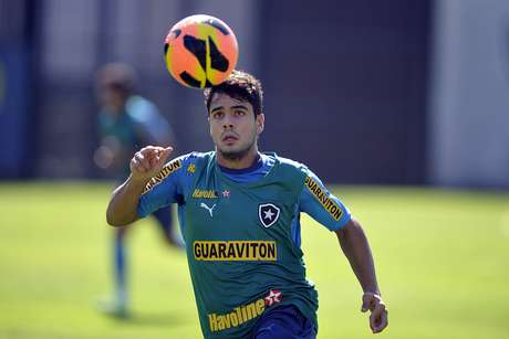 <p>Henrique seguiria caminho do ex-colega Casemiro no Real Madrid B</p>