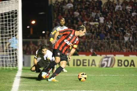 <p>Com veterano Paulo Baier, Atlético-PR chegou ao G-4 do Brasileiro</p>