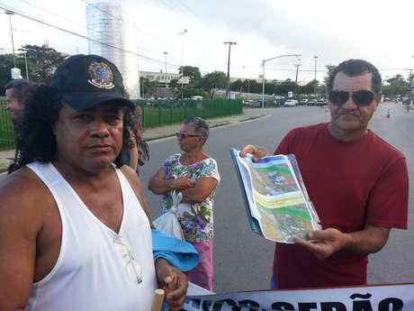 <p>Moradores do Coque propõem trajeto alternativo que não prejudicaria os 58 imóveis que estão sendo desapropriados na comunidade</p>