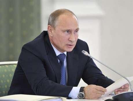 <p>Presidente russo Valdmir Putin é visto durante uma reunião em Kemerovo, na Rússia, na segunda-feira</p>