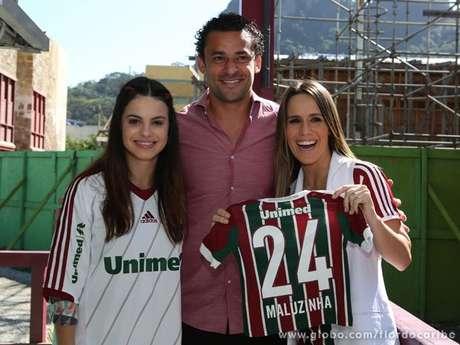 <p>Fred posou para fotos com as atrizes Sthefany Brito e Fernanda Pontes</p>