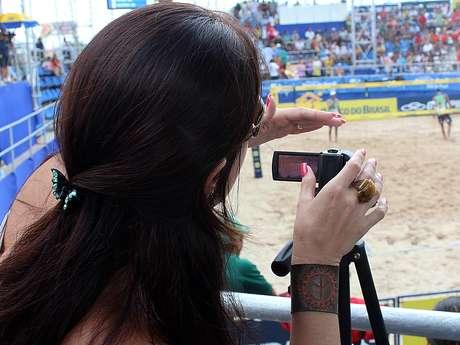 Mulher do treinador de Márcio, Kelly ajudou a comissão técnica nas filmagens na etapa do Recife