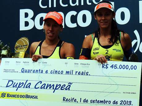 <p>Taiana e Talita faturaram a etapa feminina no Recife e lideram o ranking do Circuito Mundial</p>