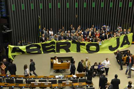 <p>Frente Parlamentar pediaaprovação da PEC do Voto Aberto no plenário</p>