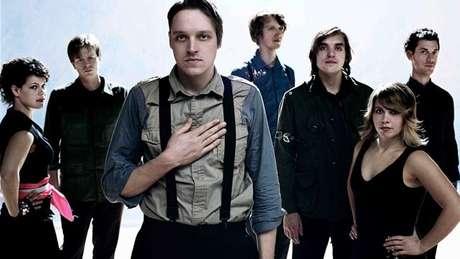 <p>Arcade Fire vem ao Brasil novamente em abril no festival Lollapalooza</p>