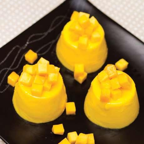 <p>Mango pudding</p>