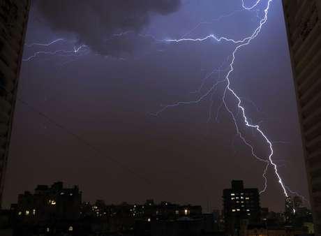 <p>Santa Rosa llega con demora... Tormentas pronosticadas para Capital, el Gran Buenos Aires, y otras provincias</p>