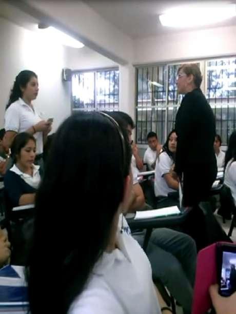 <p>El video ha despertado un fuerte debate sobre el ciber-bullying yla actitud que tomó la profesora para defender su imagen.</p>