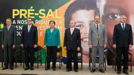 <p>Dilma falou sobre espionagem à Petrobras durante anúncio de destinação dos royalties do pré-sal a saúde e educação</p>