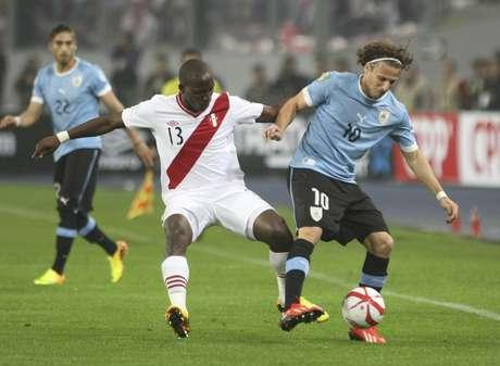 <p>Forl&aacute;n est&aacute; pr&eacute;-relacionado para defender o Uruguai na repescagem com a Jord&acirc;nia</p>