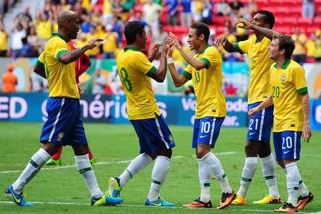 <p><strong>BRASIL</strong>: Clasificado como país anfitrión.</p>