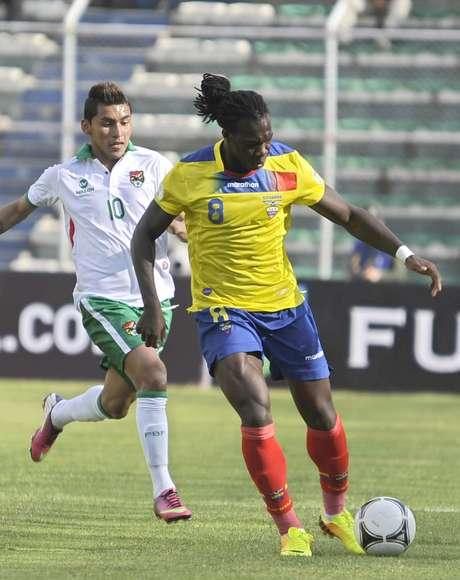 Caicedo (dir.) fez o gol do Equador