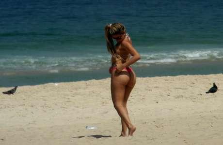 <p><strong>10 de setembro</strong> - Praia de Ipanema teve movimento com calor de até29ºC no Rio</p><p></p>