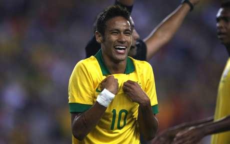 <p>Principal alvo de faltas dos portugueses, Neymarfez um gol e participou dos outros dois</p>