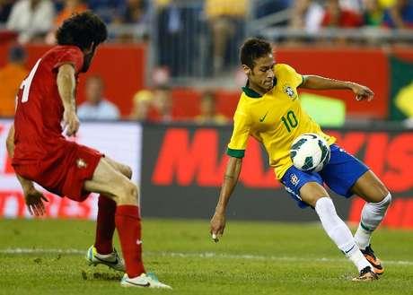 Neymar marcó un gran gol y aportó una asistencia, en la victoria de Brasil 2-0 sobre Portugal.