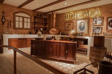 <p>Uma experi&ecirc;ncia cervejeira. Esse &eacute; o lema apresentado pela cervejaria Bohemia a quem chega &agrave; fabrica da companhia, em Petr&oacute;polis, na regi&atilde;o serrana do Rio de Janeiro</p>