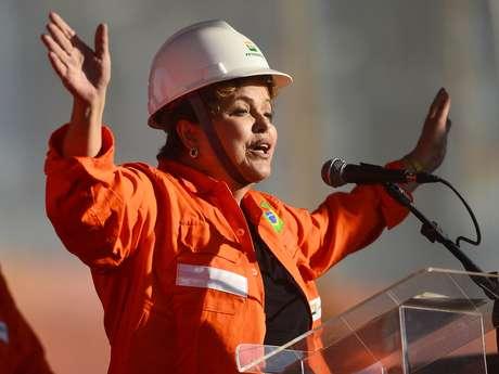 <p>A executiva da estatal participou de umavisita, ao lado da presidente Dilma Rousseff, ao estaleiro Inhaúma, no Caju, na zona norte do Rio</p>