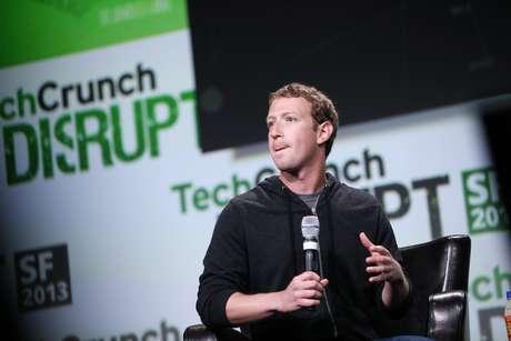 <p>Zuckerberg diz que gostaria de ver todas as pessoas conectadas ao Facebook</p>