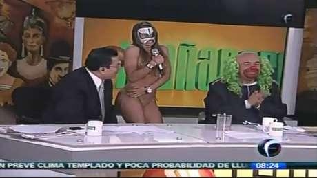 """La diputada Rosa Elba Pérez, del Partido Verde, ejemplificó que entre los contenidos aludidos en la iniciativa, está el programa """"El Mañanero"""", conducido por Víctor Trujillo en el papel del payaso """"Brozo""""."""