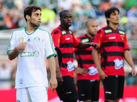 <p>Valdivia desfalcará Palmeiras em três rodadas da Série B</p>