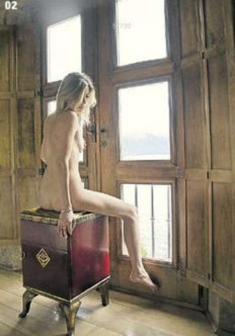 Mujeres de Villa La Angostura se desnudan con fines solidarios