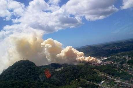 <p>Incêndio em depósito de fertilizantes em São Francisco do Sul, no litoral norte de SC, trouxe risco de intoxicação</p>