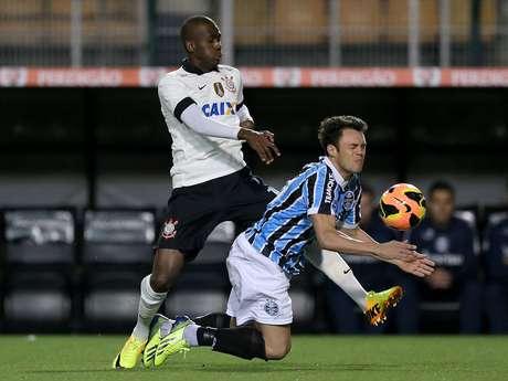 <p>Com lesão de Fábio Santos, Igor voltou a ser titular na lateral esquerda corintiana no empate em 0 a 0 com o Grêmio pelo duelo de ida da Copa do Brasil</p>