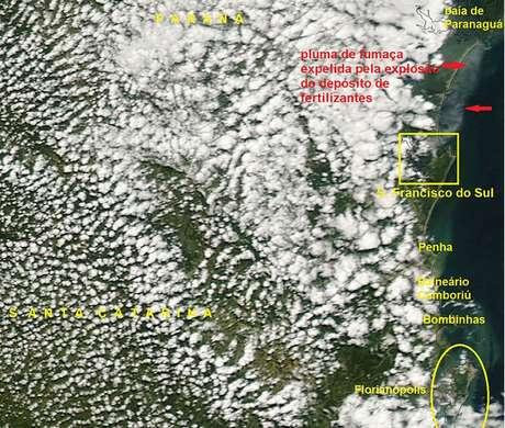 Imagem de satélite mostra a fumaça produzida pelo incêndio em São Francisco do Sul